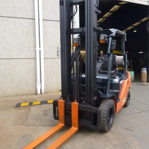 Used Toyota LPG High Reach Forklift